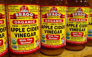 how to do a ACV rinse on locs apple cider vinegar
